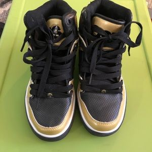 Osiris gold and black high-tops, men's size 7